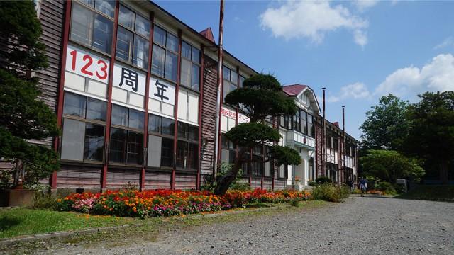 当別町弁華別にある道内最古の現役木造2階建ての弁華別小学校。来週閉校が決まっている。
